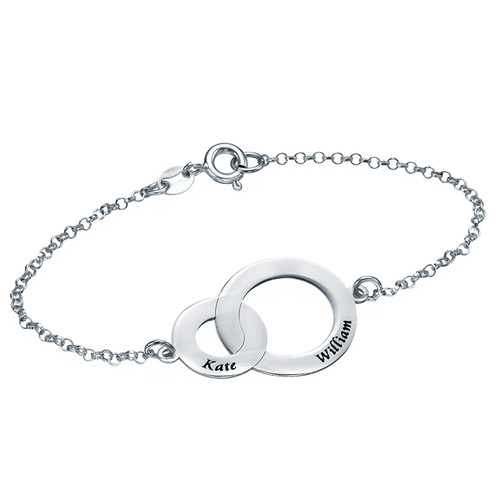 Armband med två sammansatta cirklar