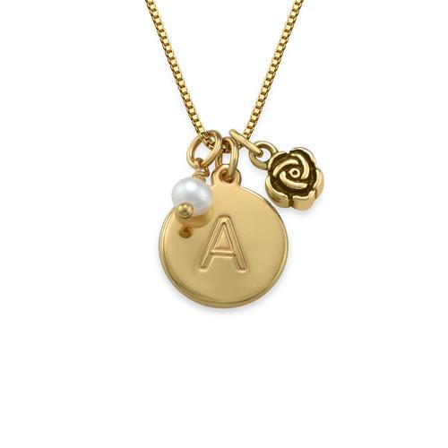 Cirkelhalsband med initialer med berlock med pärla och ros i guldplätering