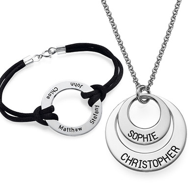Jewelry for Mom: Engraved Disc Necklace + Bracelet