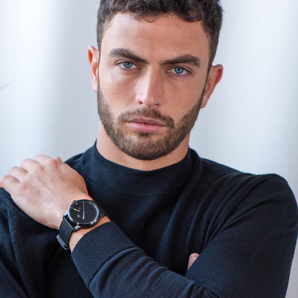 Odysseus Day Date Minimalist Leather Strap Watch in Black - 5