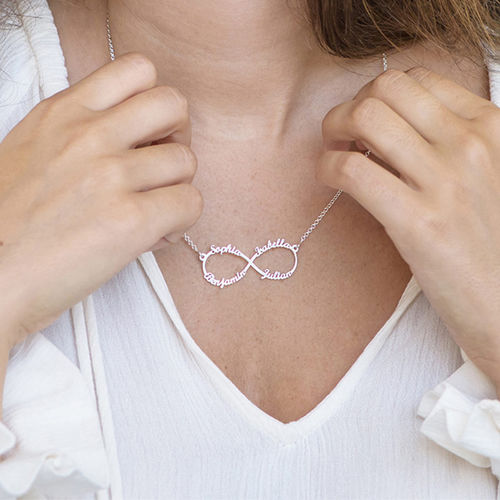 Infinity necklace with multiple names in silver - 2